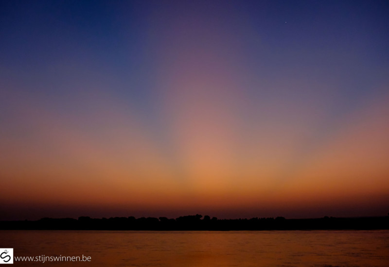 Sun rays when leaving Bagan by boat