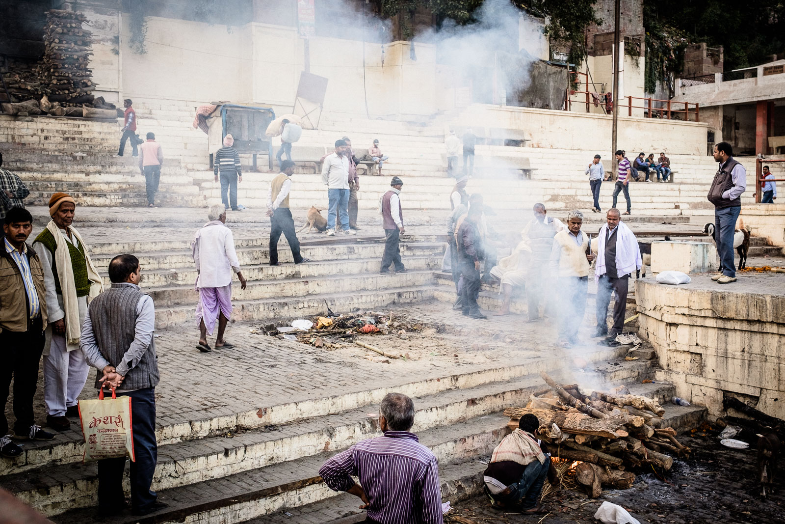 Burning the dead in Varanasi