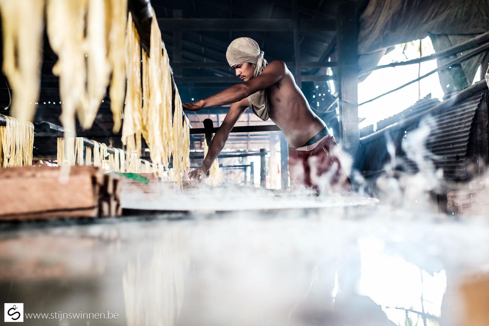 Drying of soya milk